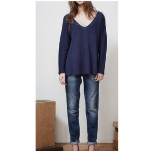 LINEAR B MAGE by CHI LEUNG NAVY SWEATER
